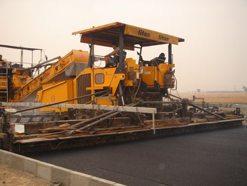Two-track Slipform Paver